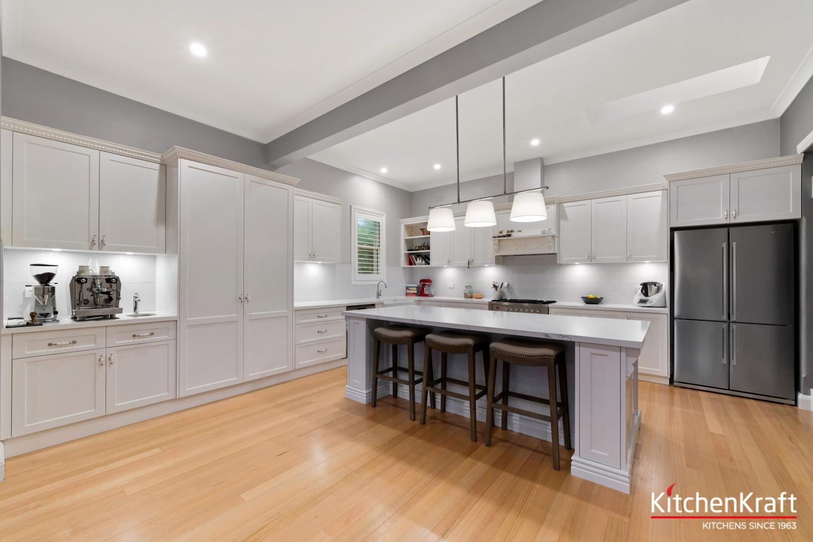 Designer kitchens gallery new kitchen designs sydney ryde for Kitchen showrooms sydney west